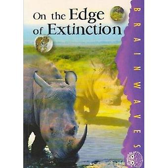 On the Edge of Extinction by Claire Craig - Sharon Dalgleish - 978186