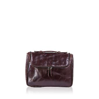 Colombus Washbag in Dark Brown