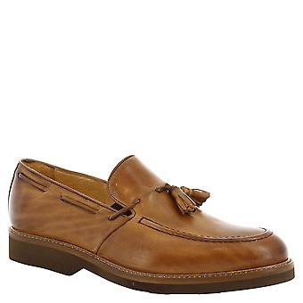 Leonerdo Shoes Man's handmade tassel loafers in tan leather
