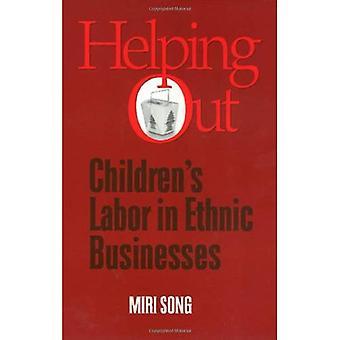 Aushelfen: Kinder Arbeit in ethnischen Unternehmen