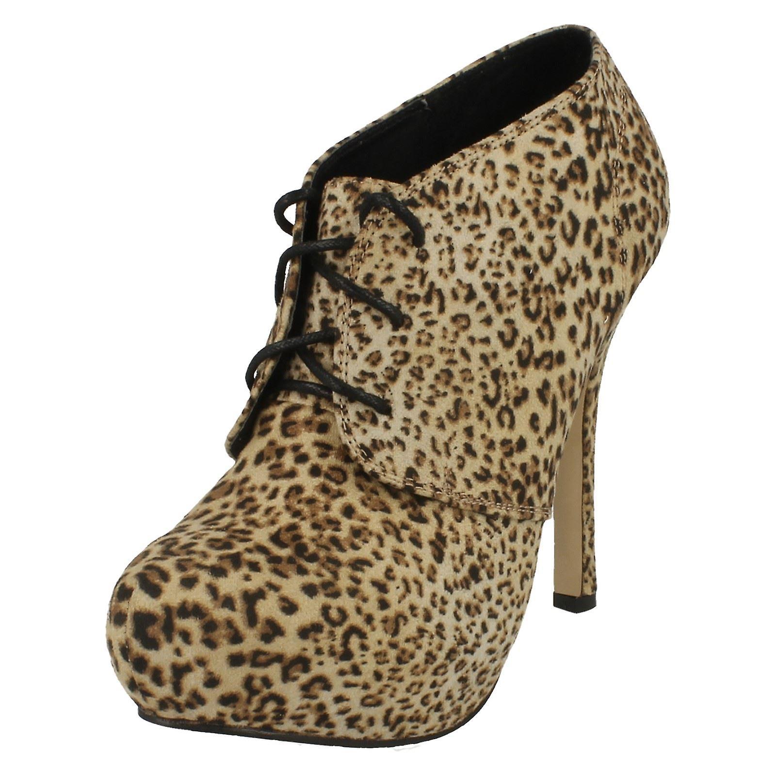 Ladies Spot su tacchi alti stivali alla caviglia