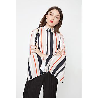 Aeryne Printed Cut Out Top With Wide Sleeves