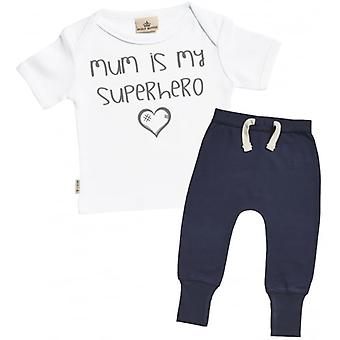 Verwöhnte faule Mutter ist mein Superheld Baby T-Shirt & Navy Jogger Outfit Set