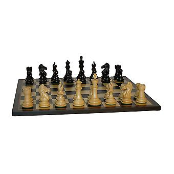 Svart Pro Chess sett med svart/Birdseye Maple bord