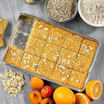 Handgemachte Kuchen eingefroren Vegan Aprikose, Orange & Mandeln in Scheiben schneiden