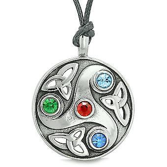 Gudinde keltiske Triquetra knude beskyttelse Amulet cirkel rød grøn blå krystal vedhæng halskæde
