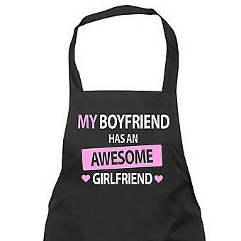 Mi novio tiene una novia impresionante negro delantal