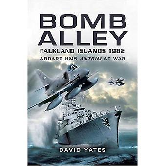 La bombe Alley: À bord du HMS Antrim en guerre