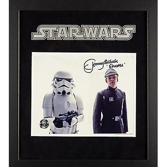 Star Wars - Signed Tommy Bulloch as Sheckil Movie Photo - Framed Artist Series