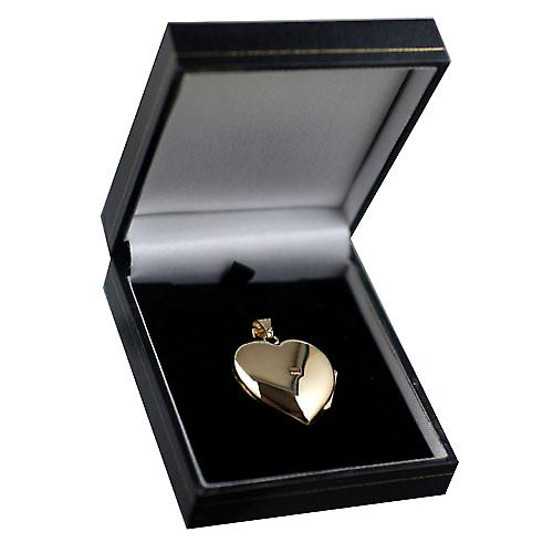 9ct Gold 30x28mm hand engraved heart shaped Locket