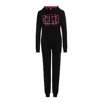 William ladies tracksuit Anna Claire