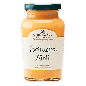 Steinmauer Küche Sriracha Aioli