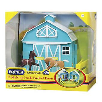 Breyer Farm Barn With Colts Playing - 1:32