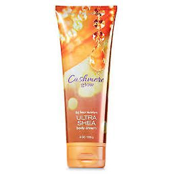 Bath & Body Works Cashmere Glow Triple Moisture Body Cream 8 oz / 236 ml