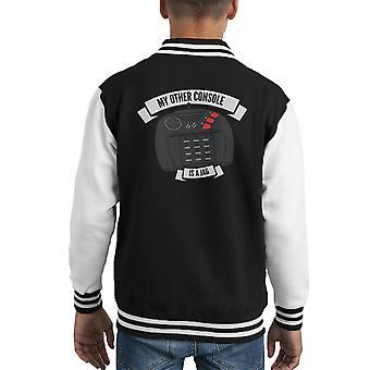 Meine anderen Konsole befindet sich ein Jag Atari Kid Varsity Jacket
