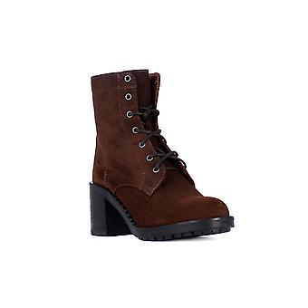 Frau queen stud brown shoes