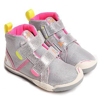 حذاء سنيكرز بلاس ماكس من جلد الغزال