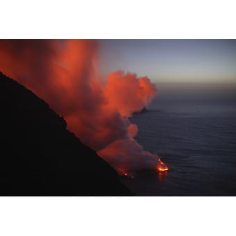 4. März 2007 - Stromboli Ausbruch Meer Eintrag Äolischen Inseln nördlich von Sizilien Italien Poster Print