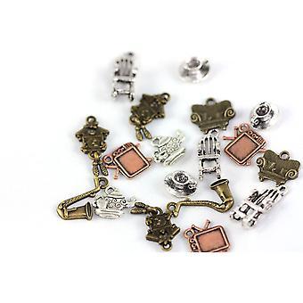 Pakke 30 gram detaljer i flere farger tibetanske 5-40mm stue sjarm/anheng blanding ZX18530