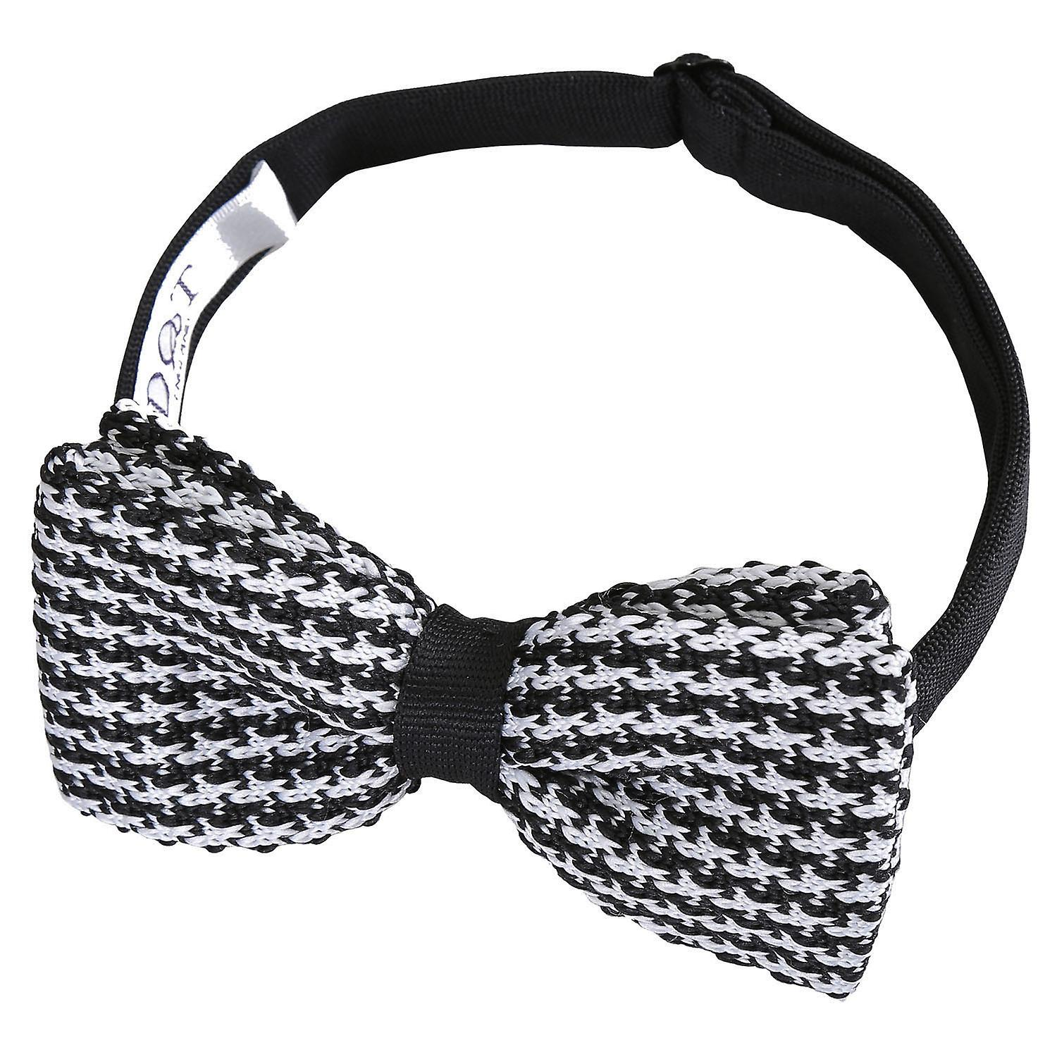 White and Black Houndstooth Knitted Pre-Tied Bow Tie