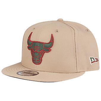Uusi aika kausi 9Fifty SnapBack Cap-Chicago Bulls Camel vihreä punainen