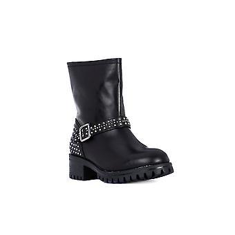 Frau tibet black metal shoes