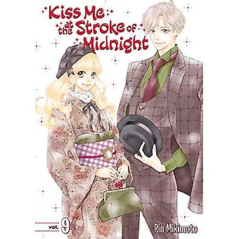 Kiss Me at the Stroke of Midnight 9 (Kiss Me at the Stroke of Midnight)
