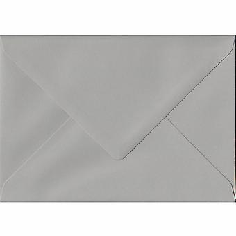 Eule grau gummiert C7/A7 farbige grauen Umschlägen. 120gsm FSC nachhaltigen Papier. 82 mm x 113 mm. Banker Stil Umschlag.