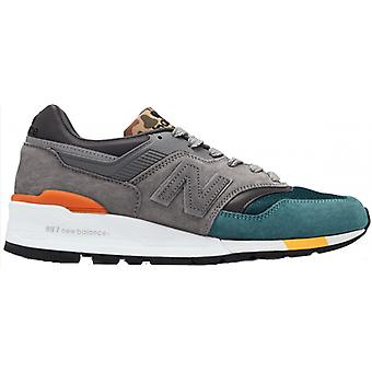 New balance men's sneaker made in US grey