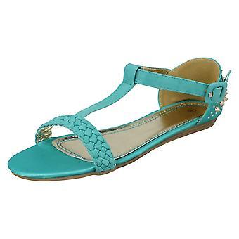 Dames vlek voort plat gevlochten T sandaal met hak bezaaid Bar