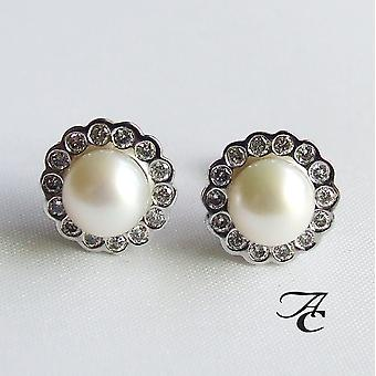 White gold earrings with Pearl and diamond