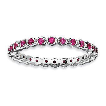 Sterlingsølv poleret Prong indstille mønstrede Rhodium-belagt stabelbare udtryk lavet Ruby Ring - ringstørrelse: 5-10