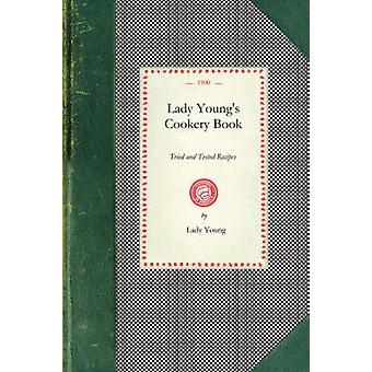 Livre de cuisine de Youngs Lady par jeune femme