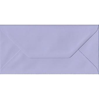 Lilas gommé DL couleur mauves enveloppes. 100gsm FSC papier durable. 110 mm x 220 mm. banquier Style enveloppe.