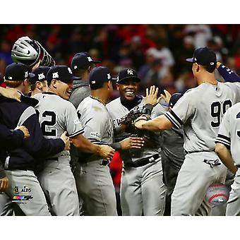 The New york Yankees celebrate winning Game 5 of the 2017 American League Division Series Photo Print