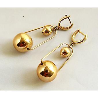 Christian 14 Karat yellow gold earrings