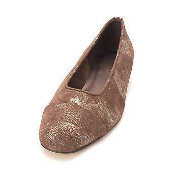 Vaneli Womens Frankie Cap Toe Loafers