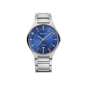 Bering mens watch titanium collection 11739-707