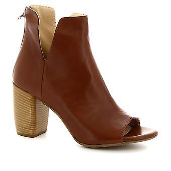 Leonardo Shoes Women's handmade open-toe heeled ankle boots in tan leather