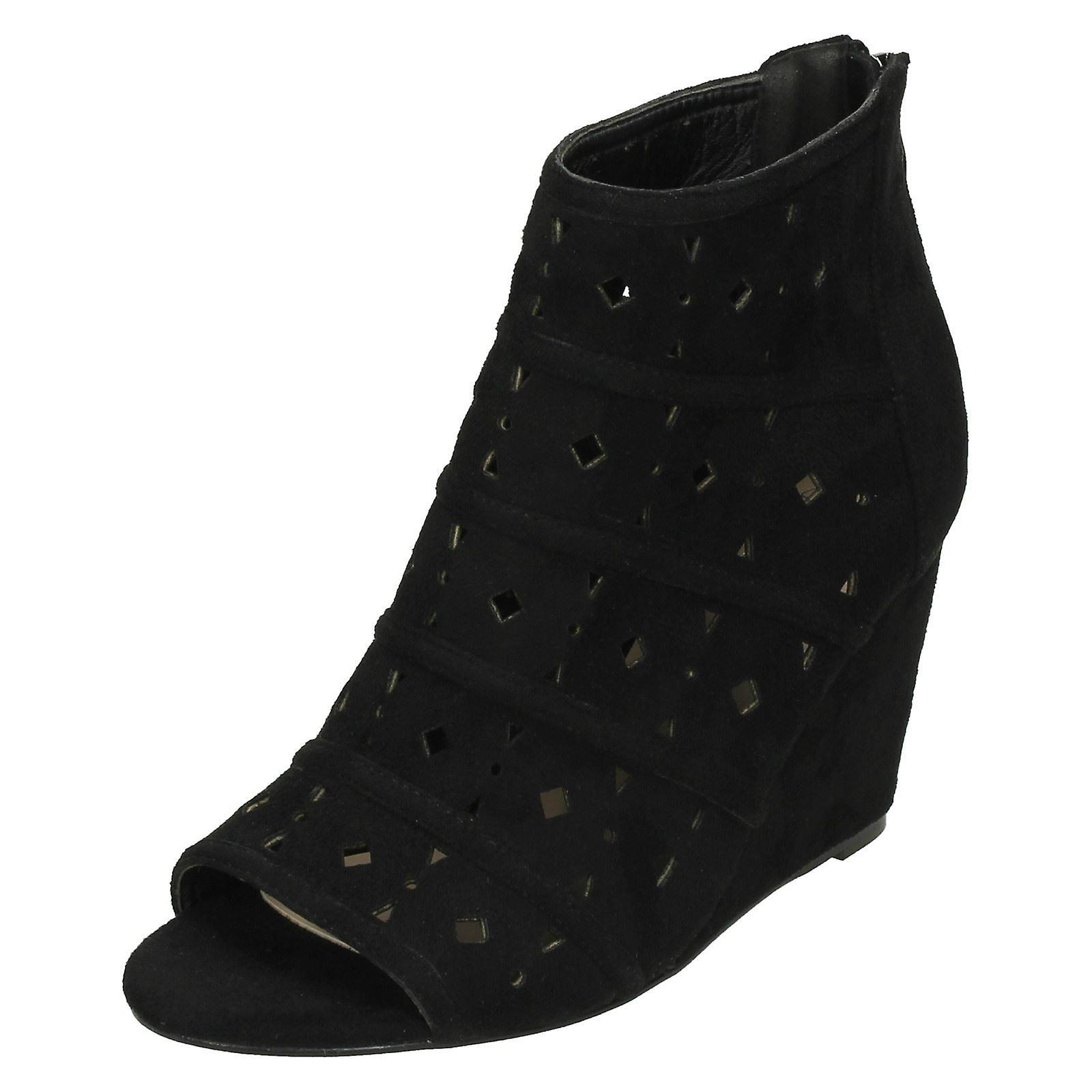 Ladies Spot On High Wedge Peeptoe Ankle Boots F10725
