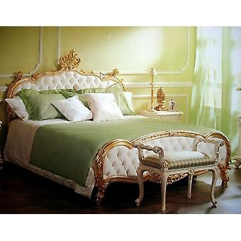 baroque bed kingsize bed 200x200 sleeping room antique style   Vp7723/K
