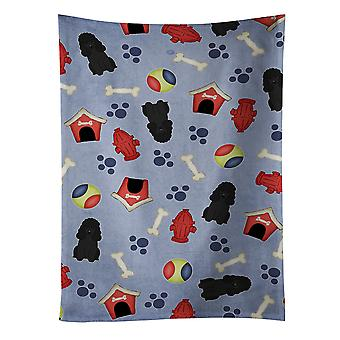 Carolines tesouros BB2684KTWL cachorro casa coleção Poodle toalha de cozinha preto
