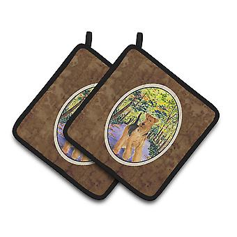 Carolines Treasures  SS8208PTHD Airedale Pair of Pot Holders