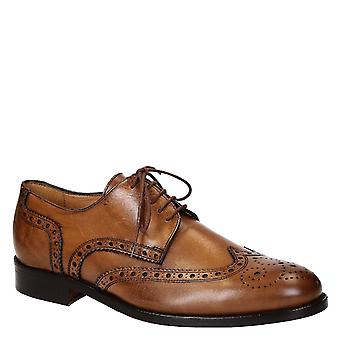 Men's light brown leather handmade brogues shoes