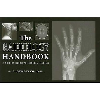 El manual de Radiología: Una guía de bolsillo (Guía de bolsillo de la bata blanca) de imágenes médicas