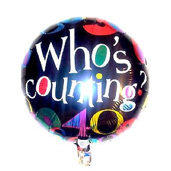 Folie ballong som teller bursdag