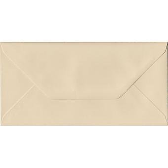 Crème gommé DL couleur crème enveloppes. 100gsm FSC papier durable. 110 mm x 220 mm. banquier Style enveloppe.