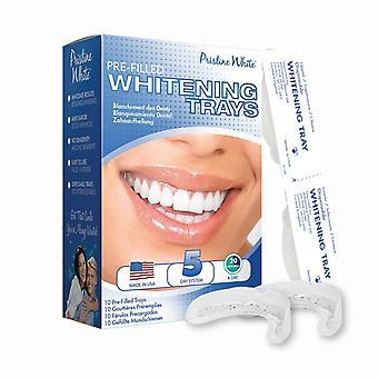 Uberørte hvitt forhåndsutfylte tannbleking skåler