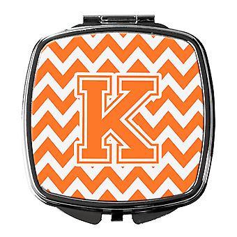 Buchstabe K Chevron Orange und weiß Taschenspiegel