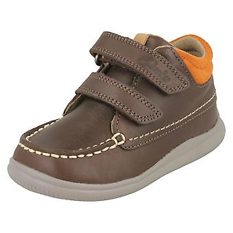 男の子最初靴クラークスの足首のブーツでクラウド Tuktu
